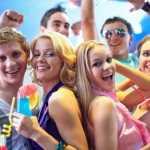 Как провести тематическую вечеринку дома правильно и без усилий