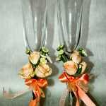 свадебные бокалы украшенные цветами